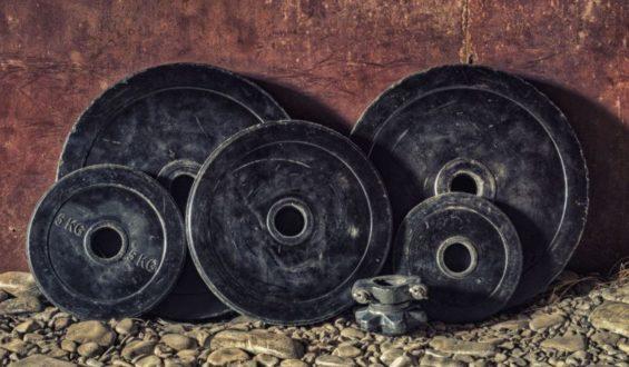 Napoje dla sportowców – węglowodany, czy elektrolity?